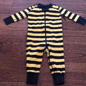 Hanna Andersson black/yellow onesie size 3-6M